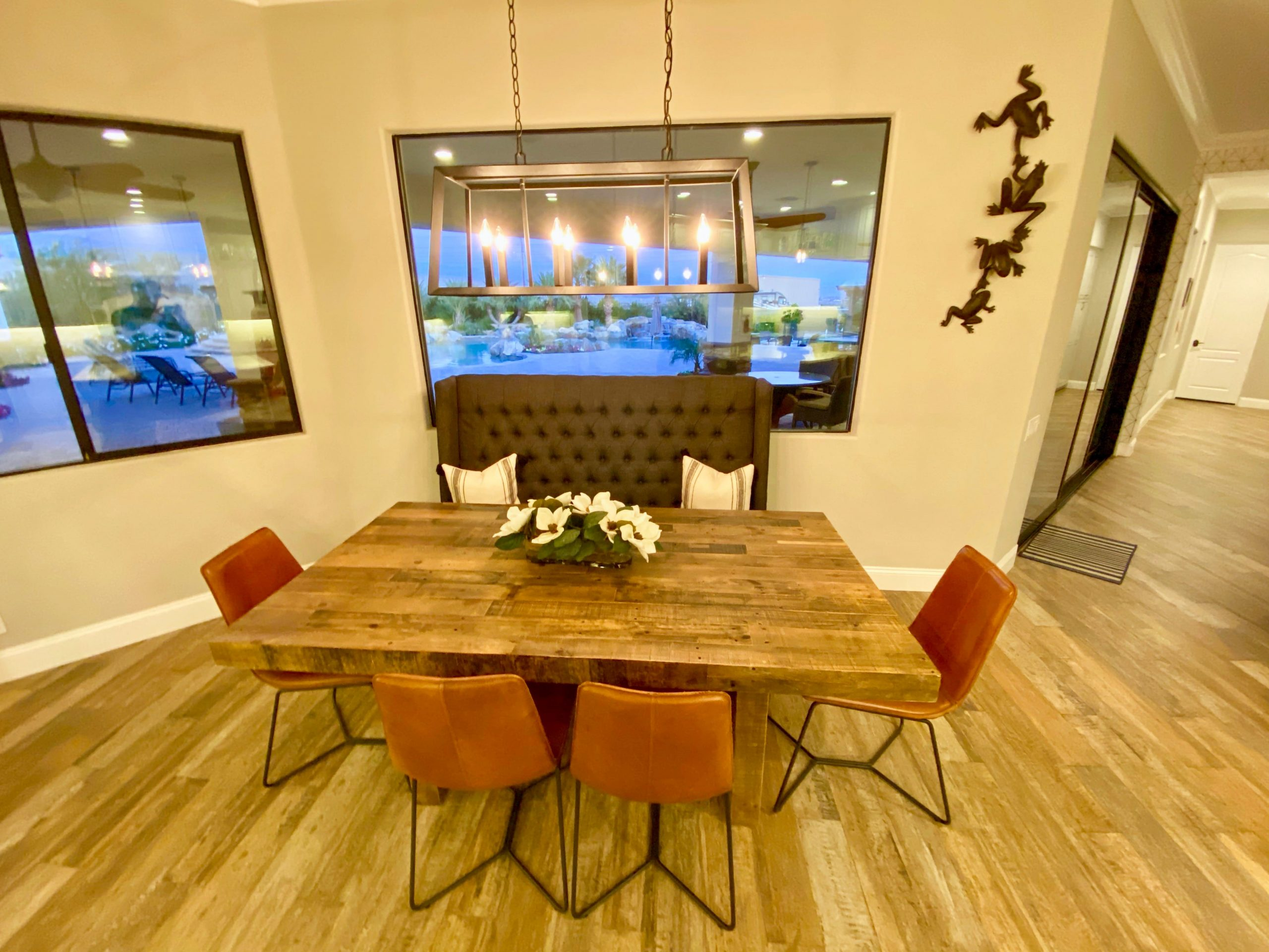 The Estate at Via Las Palmas - Dining Space in Kitchen
